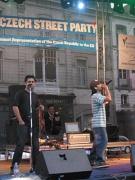 Gipsy.cz na vystoupení před českou ambasádou v Bruselu (Foto: Pavel Novák)