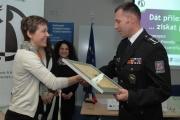 Za Krajské ředitelství policie JMK certifikát převal ředitel plk. Mgr. Tomáš Kužel (Foto: Jana Šustová)