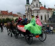 Defilé dorazilo na Staroměstské náměstí (Foto: Jana Šustová)