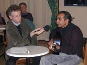 Moderátor večera David Vaughan (vlevo) a Ján Ačo Slepčík