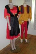 Romské odívání v expozici Muzea romské kultury (Foto: J. Šustová)