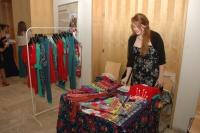 Pavla Bednáriková u stánku s oblečením značky Gypsy Mama (Foto: Jana Šustová)