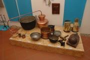 Kotlářské výrobky ze sbírek Muzea romské kultury v Brně (Foto: Jana Šustová)