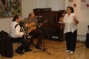 O hudbu se při vernisáži postaral Milan Bagár a Gejza Horváth, zazpívala Elina Machálková (Foto: Jana Šustová)