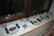 Při štědrovečerní večeři nechávají Romové na oknech jídlo pro mule (Foto: Jana Šustová)
