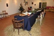 Sláma pod vánočním stolem (Foto: Jana Šustová)