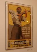 Nejstarší plakát na výstavě (Foto: Jana Šustová)