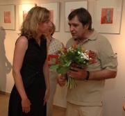 Alfred Ullrich s romistkou Helenou Davidovou na vernisáži výstavy svých ilustrací ke knize Sudba Ursitorů (Foto: Jana Šustová)