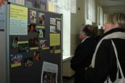 Nástěnka s informacemi o projektu romských pohádek (Foto: Jana Šustová)