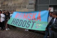 Pražský Roma Pride začal na náplavce u Palackého náměstí  (Foto: Jana Šustová)