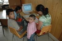 Děti v komunitním centru v Rudňanech (Foto: Jana Šustová)