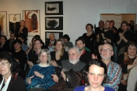 Publikum při představení knihy Paťiv. Ještě víme, co je úcta (Foto: Jana Šustová)