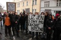 Protest iniciativy Bydlení pro všechny před budovou MPSV  (Foto: Jana Šustová)