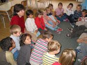 Děti v kruhu (Ilustrační foto: Jana Šustová)