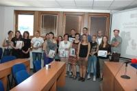 Pracovníci nízkoprahových zařízení s cenami Časovaná bota (Foto: Jana Šustová)