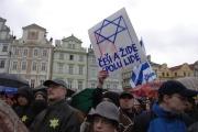 Akci Židovské liberální unie přišla 10. listopadu podpořit řada lidí