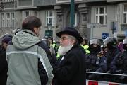 Rabín a policejní kordon