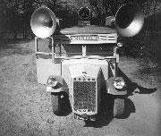 Autobús publicitario de la sociedad Radiojournal, 1939