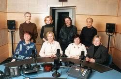 Debouts de droite à gauche:  Vaclav Richter, Magdalena Segertova, Alain Slivinsky, Omar Mounir.   Assises de droite à gauche:  Astrid Hofmanová, Alena Gebertová, Jarka Fikerlová et Jarka  Gissübelová.