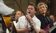 Matěj Ruppert (uprostřed) na koncertě v kostele Šimona a Judy (Foto: ČTK)