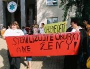 Demonstrace proti sterilizaci žen (Foto: ČTK)