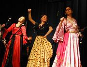 Roma dancers