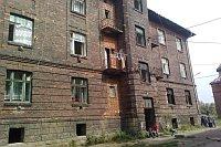 Jeden ze zdevastovaných domů (Foto: Silvie Mikulcová)