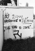 Rasistický nápis na zdi ostravského stadionu Bazaly