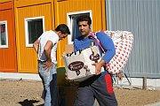 Romové, kteří byli vystěhováni ze Vsetína do nevyhovujících budov (Foto: www.mestovsetin.cz)