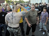 Střety demonstrantů s policií ve Varnsdorfu (Foto: Filip Jandourek)