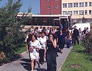 Příjezd Romů, areál AV ČR Slovanka