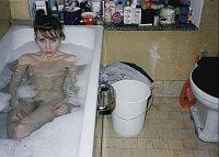 Annelies Štrba, Sonia dans son bain, 1985, photo: Galerie Anton Meier