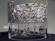 Čelenka z 12. století, foto: ČTK