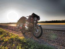Photo: Pavel Suchý / Site officiel de Jawa kolem světa