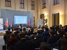 Sitzung des tschechische Jugend-Parlaments (Foto: Archiv des Regierungsamtes der Tschechischen Republik)