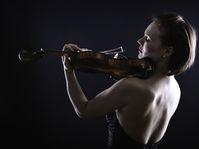 Tamsin Waley-Cohen, photo: Patrick Allen, operaomnia.co.uk