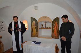 Tomáš Butta otvírá modlitebnu vdomku, kde žil Jan Hus, foto: archiv Církve československé husitské