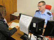 Полиция по делам иностранцев, иллюстративное фото: Ондржей Томшу, Чешское радио - Радио Прага