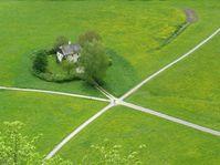 Man wählt den goldenen Mittelweg - zvolit zlatou střední cestu (Foto: rarestohanean, Pixabay / CC0