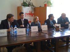 Представители белорусской оппозиции в Праге (Фото: Мартин Доразин)