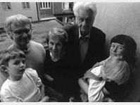 Ivan Margolius (left) and his family, photo:www.margolius.co.uk