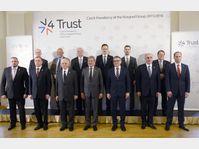 La réunion élargie, composée des ministres des Affaires étrangères du V4 et aussi des pays-membres du Partenariat oriental, photo: ČTK
