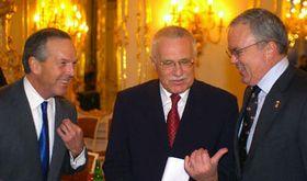 Donald L. Evans, Václav Klaus y Craig Stapleton, foto: CTK