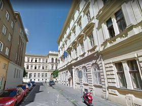 Österreichische Botschaft in der Viktor-Hugo-Straße (Foto: Google Street View)