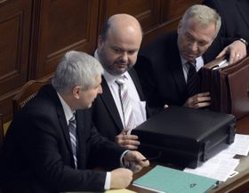 De izquierda: Jiří Rusnok, Martin Pecina y Vlastimil Picek, foto: ČTK