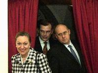B. Ferrero-Waldners, Jan Kavan und Jiri Sedivy in Stirin (Foto: CTK)