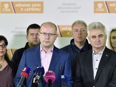 Bohuslav Sobotka (center), photo: CTK