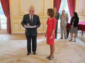 Pavel Lešák avec l'ancienne ambassadrice tchèque en France, photo: MZV