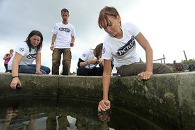Detox Tour 2011 - el río Elba, foto: Archivo de Greenpeace