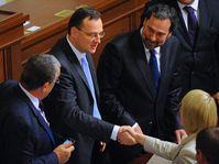 Petr Nečas (au milieu), photo: CTK